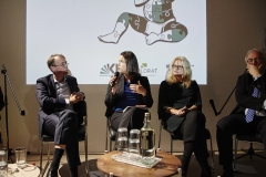 Prof. Dr. Tanja Henking (FHWS) auf dem Podium (Foto: Alena Schmick)